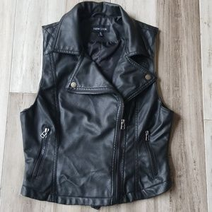 New Look Zip Down Faux Leather Moto Style Vest